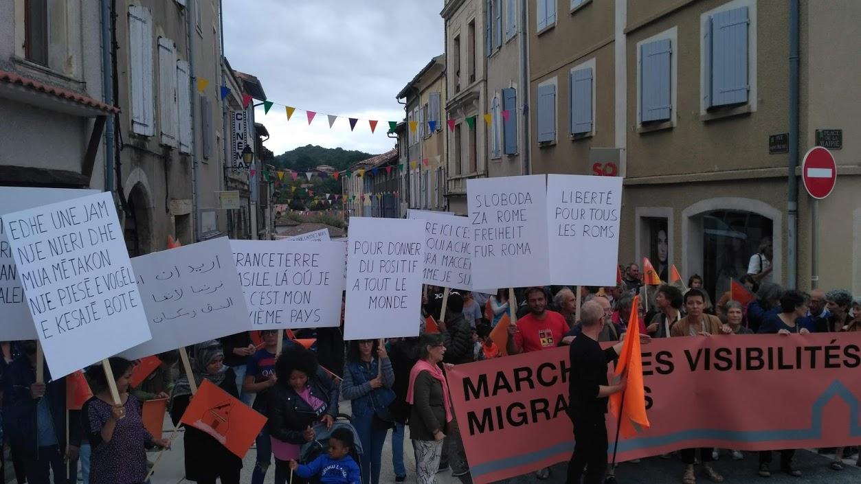 pascal-lievre-marche-des-visibilites-migrantes-aurignac-les-abattoirs-musee-aurignacien-alter-ego-drapeau-de-lexil-09
