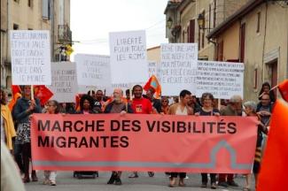 pascal-lievre-marche-des-visibilites-migrantes-aurignac-les-abattoirs-musee-aurignacien-alter-ego-drapeau-de-lexil-33 copie